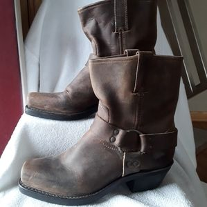 Frye Harness leather boots😀😀😀